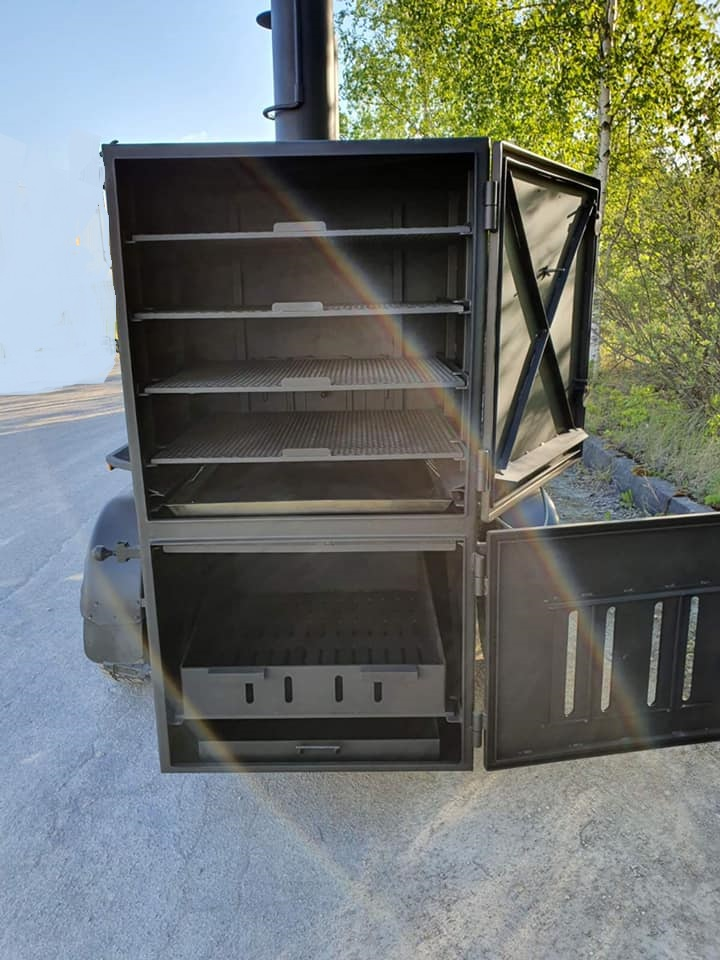 BM-4   Extra Large BBQ Trailer (New)
